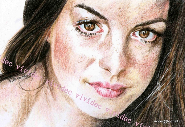 Anne Hathaway by vividec